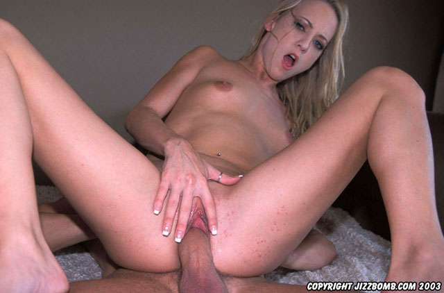 Hottie with tetonas getting cumshot inside her vagina