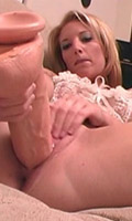 Heaven Leigh works her pussy with huge didlos till she cums from Squirting 101