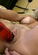 Busty blonde Ryan Conner masturbating till she squirts from Squirting 101