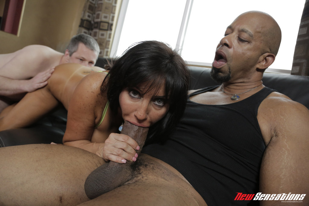 FULL VIDEO  Honey Gold gets Strapon in Interracial