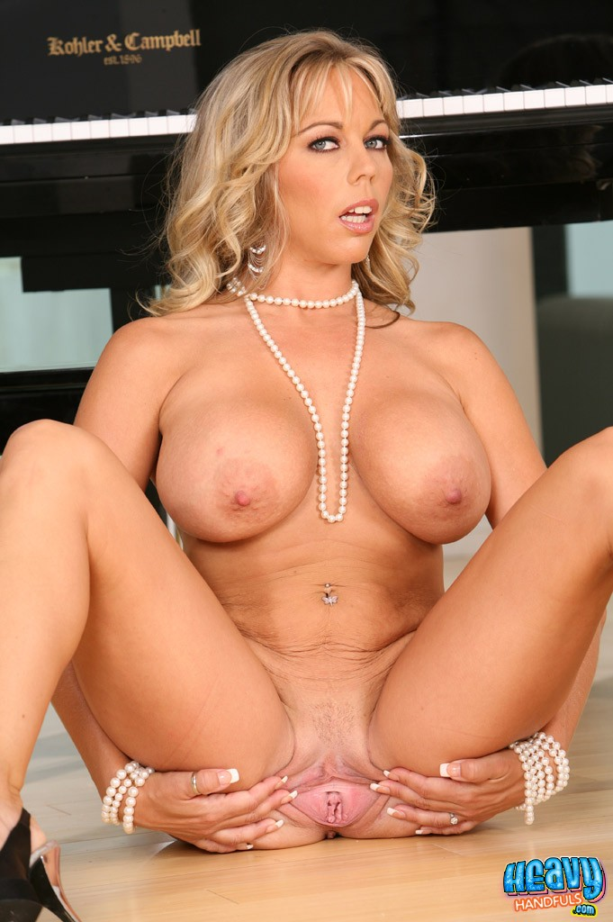 2 hotties have fun with 1 huge dildo 7